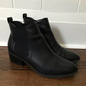Abound Cyan Chelsea black boots- size 8.5